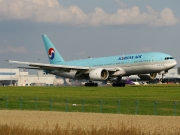 Boeing 777-200ER - HL7734 operated by Korean Air