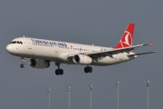 Airbus A321-231 - TC-JRR operated by Turkish Airlines