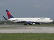 Boeing 767-300ER - N172DN operated by Delta Air Lines