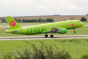 Airbus A320-214 - VQ-BES operated by S7 Airlines