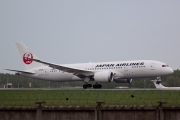 Boeing 787-8 Dreamliner - JA825J operated by JAL Airways