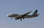 Airbus A320-216 - EI-DTB operated by Alitalia
