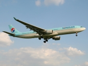 Airbus A330-323X - HL7585 operated by Korean Air