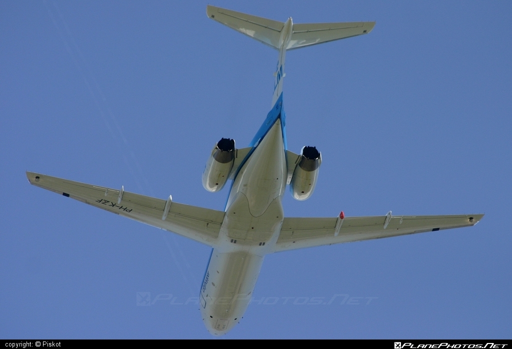 Fokker 70 - PH-KZF operated by KLM Cityhopper #fokker #klm #klmcityhopper