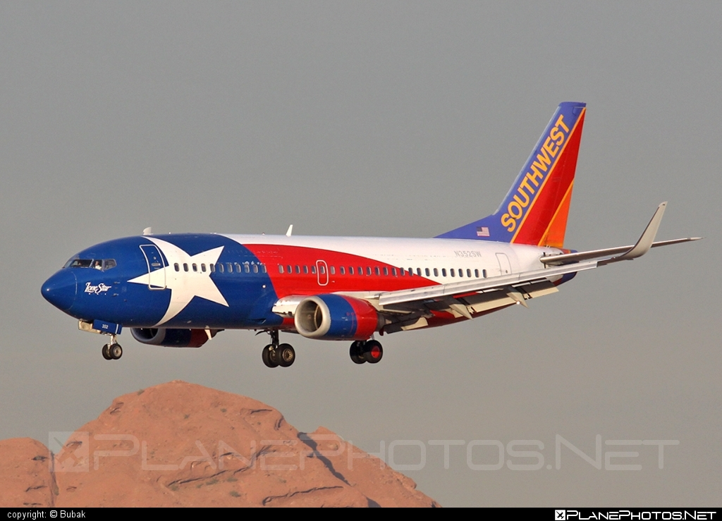 Boeing 737-300 - N352SW operated by Southwest Airlines #b737 #boeing #boeing737 #southwestairlines