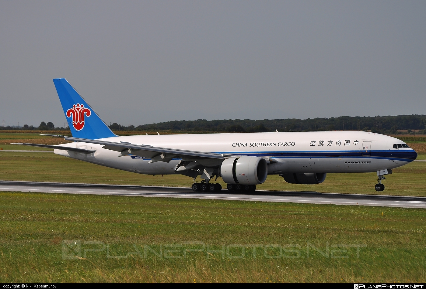 Boeing 777F - B-2073 operated by China Southern Cargo #b777 #b777f #b777freighter #boeing #boeing777 #tripleseven