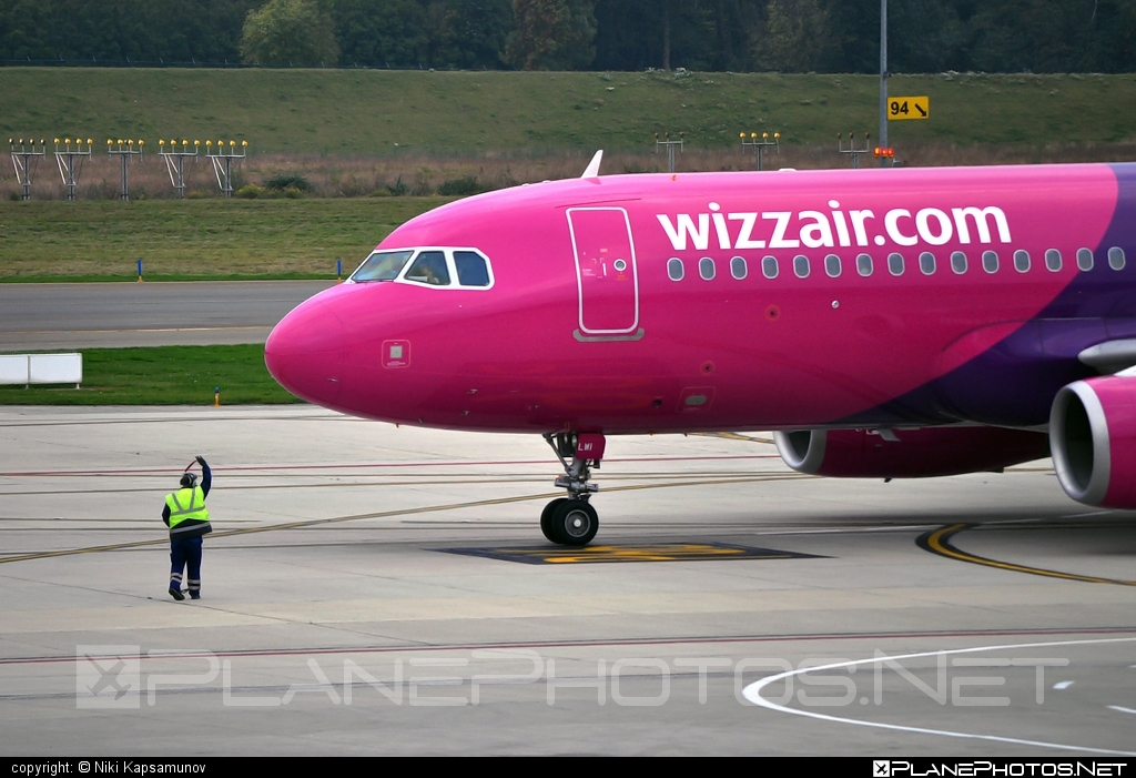 Airbus A320-232 - HA-LWI operated by Wizz Air #a320 #a320family #airbus #airbus320 #wizz #wizzair