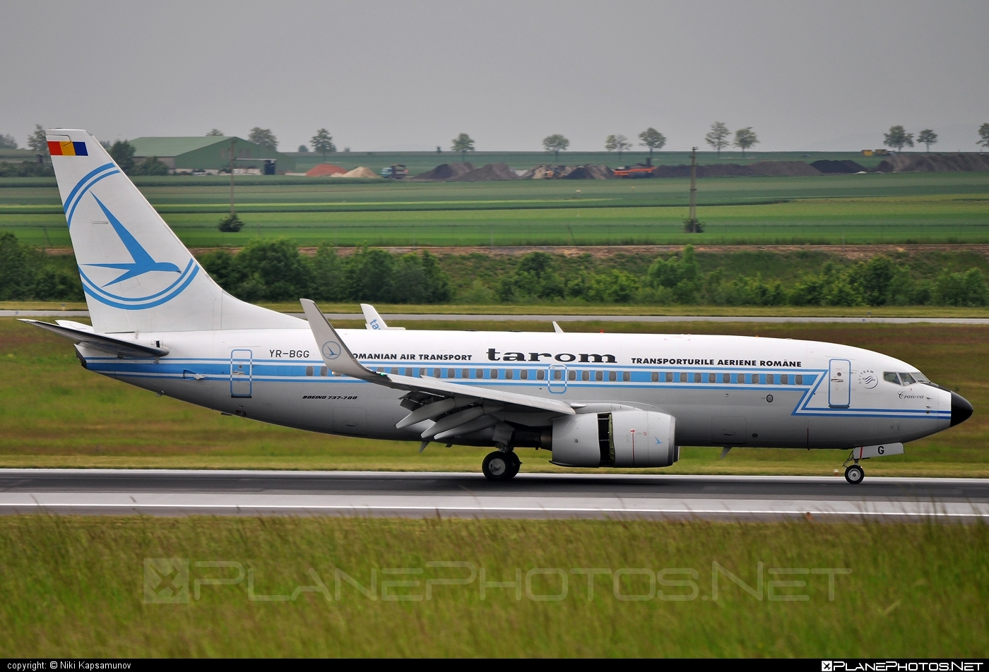 Boeing 737-700 - YR-BGG operated by Tarom #b737 #b737nextgen #b737ng #boeing #boeing737 #retro