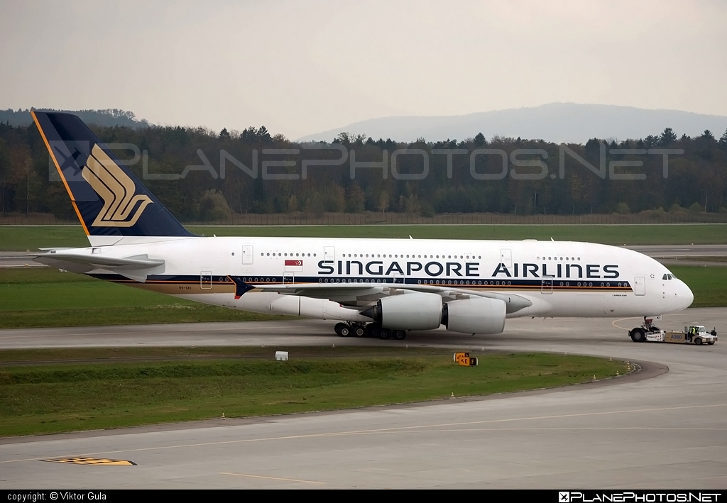 Airbus A380-841 - 9V-SKI operated by Singapore Airlines #a380 #a380family #airbus #airbus380 #singaporeairlines