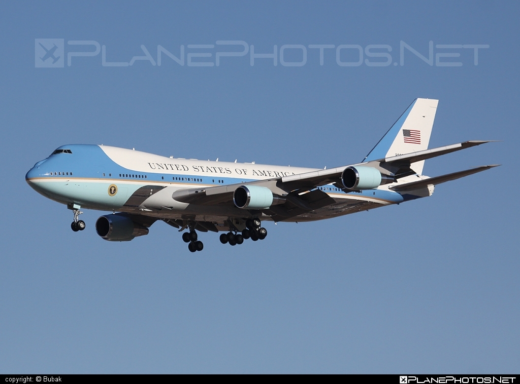Boeing VC-25A - 82-8000 operated by US Air Force (USAF) #boeing #usaf #usairforce