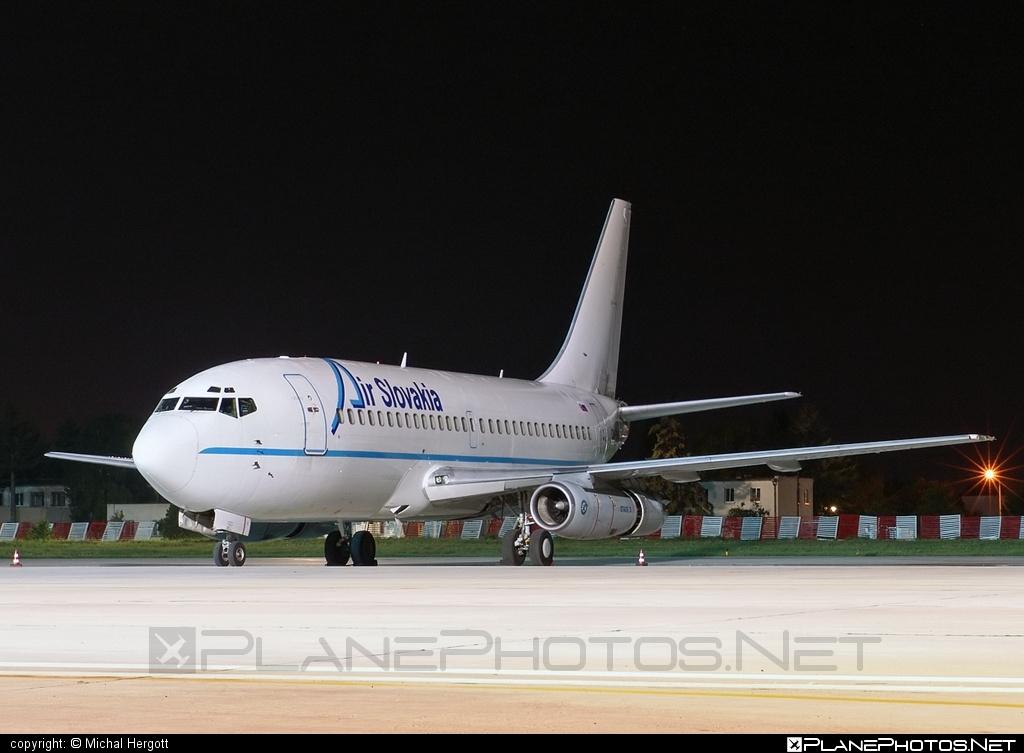 Boeing 737-200 - OM-RAN operated by Air Slovakia #b737 #boeing #boeing737