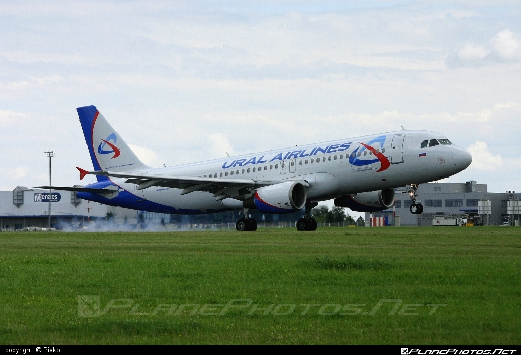 Airbus A320-214 - VP-BFZ operated by Ural Airlines #a320 #a320family #airbus #airbus320
