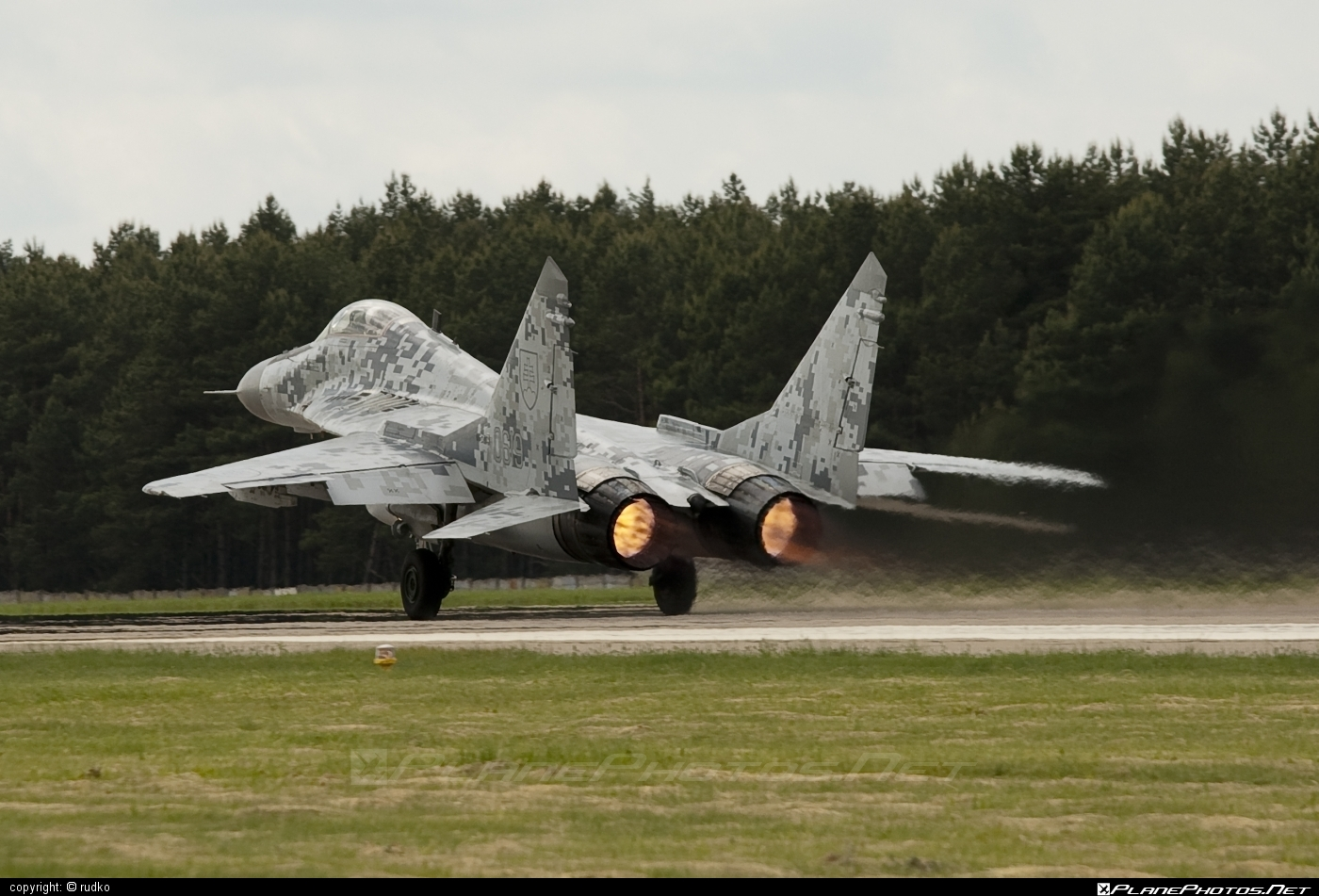 Mikoyan-Gurevich MiG-29AS - 0619 operated by Vzdušné sily OS SR (Slovak Air Force) #mig #mig29 #mig29as #mikoyangurevich #slovakairforce #vzdusnesilyossr