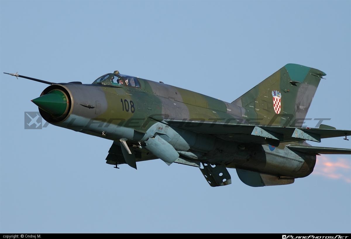 Mikoyan-Gurevich MiG-21bis-D - 108 operated by Hrvatsko ratno zrakoplovstvo i protuzračna obrana (Croatian Air Force) #mig #mig21 #mig21bisd #mikoyangurevich