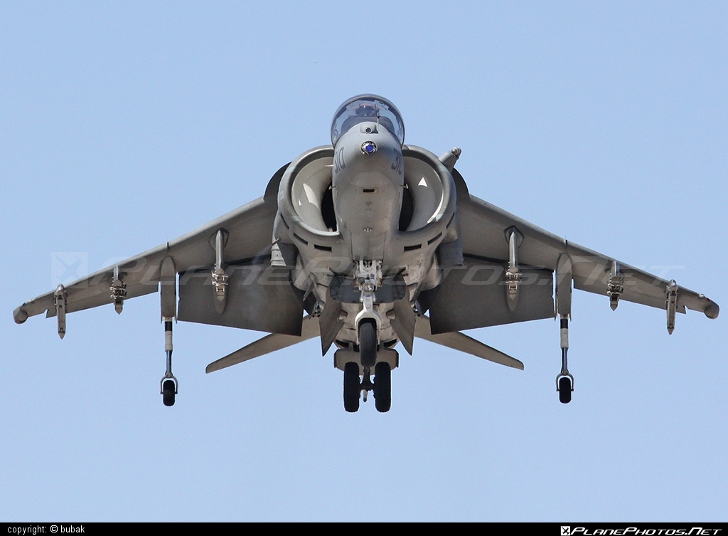 McDonnell Douglas AV-8B Harrier II - 163870  operated by US Marine Corps (USMC) #mcdonnelldouglas