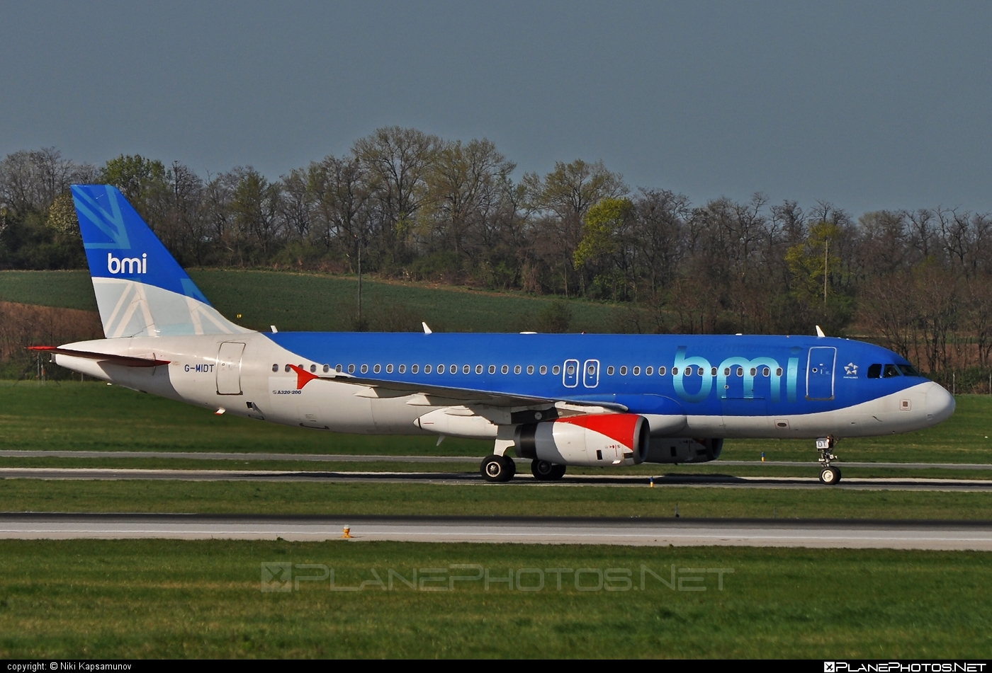Airbus A320-232 - G-MIDT operated by bmi British Midland #a320 #a320family #airbus #airbus320