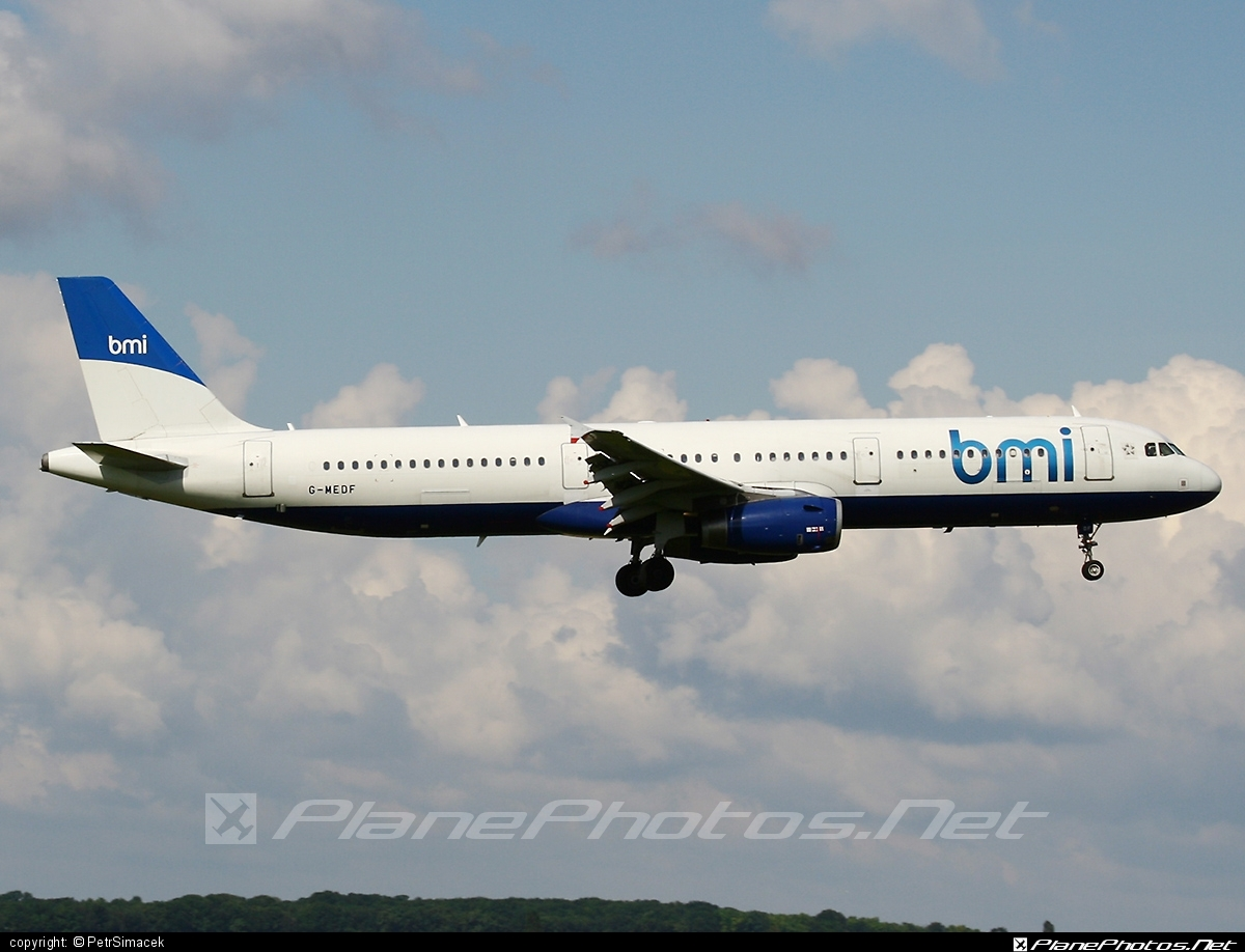 Airbus A321-231 - G-MEDF operated by bmi British Midland #a320family #a321 #airbus #airbus321