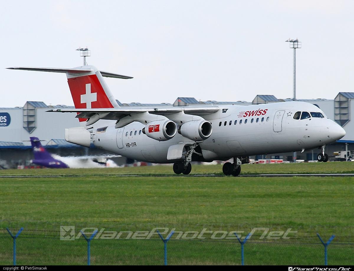 British Aerospace Avro RJ100 - HB-IYR operated by Swiss International Air Lines #avro146rj100 #avrorj100 #bae146 #britishaerospace #swiss #swissairlines