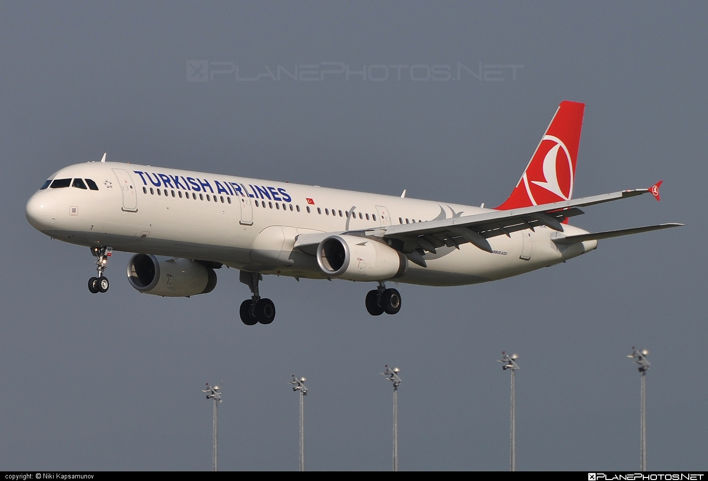 Airbus A321-231 - TC-JRR operated by Turkish Airlines #a320family #a321 #airbus #airbus321 #turkishairlines