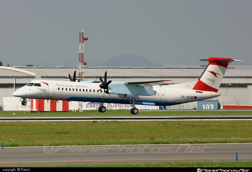 Bombardier DHC-8-Q402 Dash 8 - OE-LGD operated by Austrian Airlines #bombardier #dash8 #dhc8 #dhc8q402