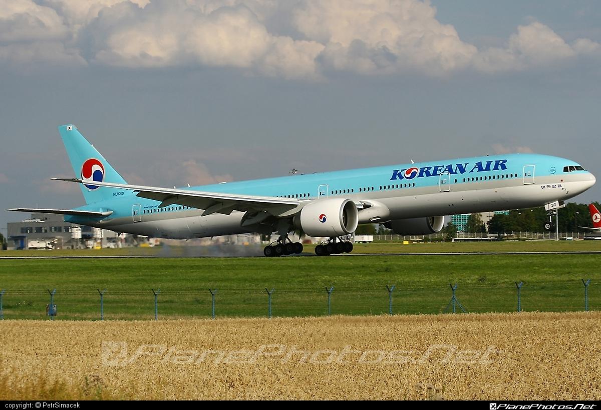 Boeing 777-300ER - HL8210 operated by Korean Air #b777 #b777er #boeing #boeing777 #koreanair #tripleseven