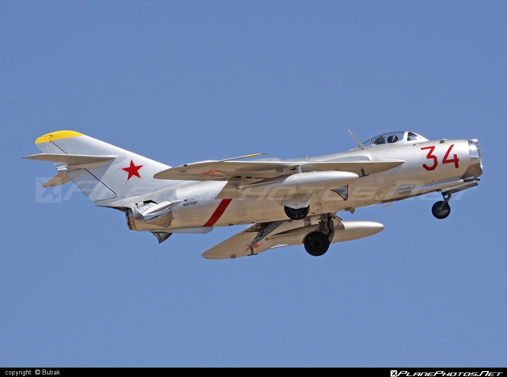 Mikoyan-Gurevich MiG-17 - N1713P operated by Private operator #mig #mikoyangurevich