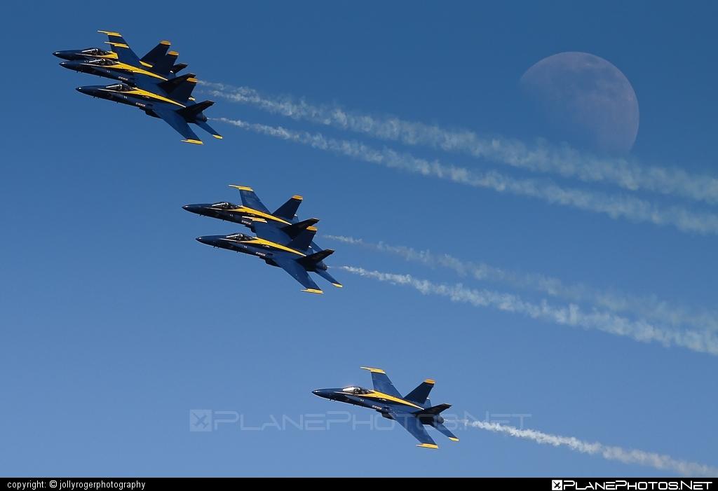 US Navy (USN) McDonnell Douglas F/A-18C Hornet - 163705 #f18 #f18hornet #fa18 #fa18c #fa18hornet #mcdonnelldouglas