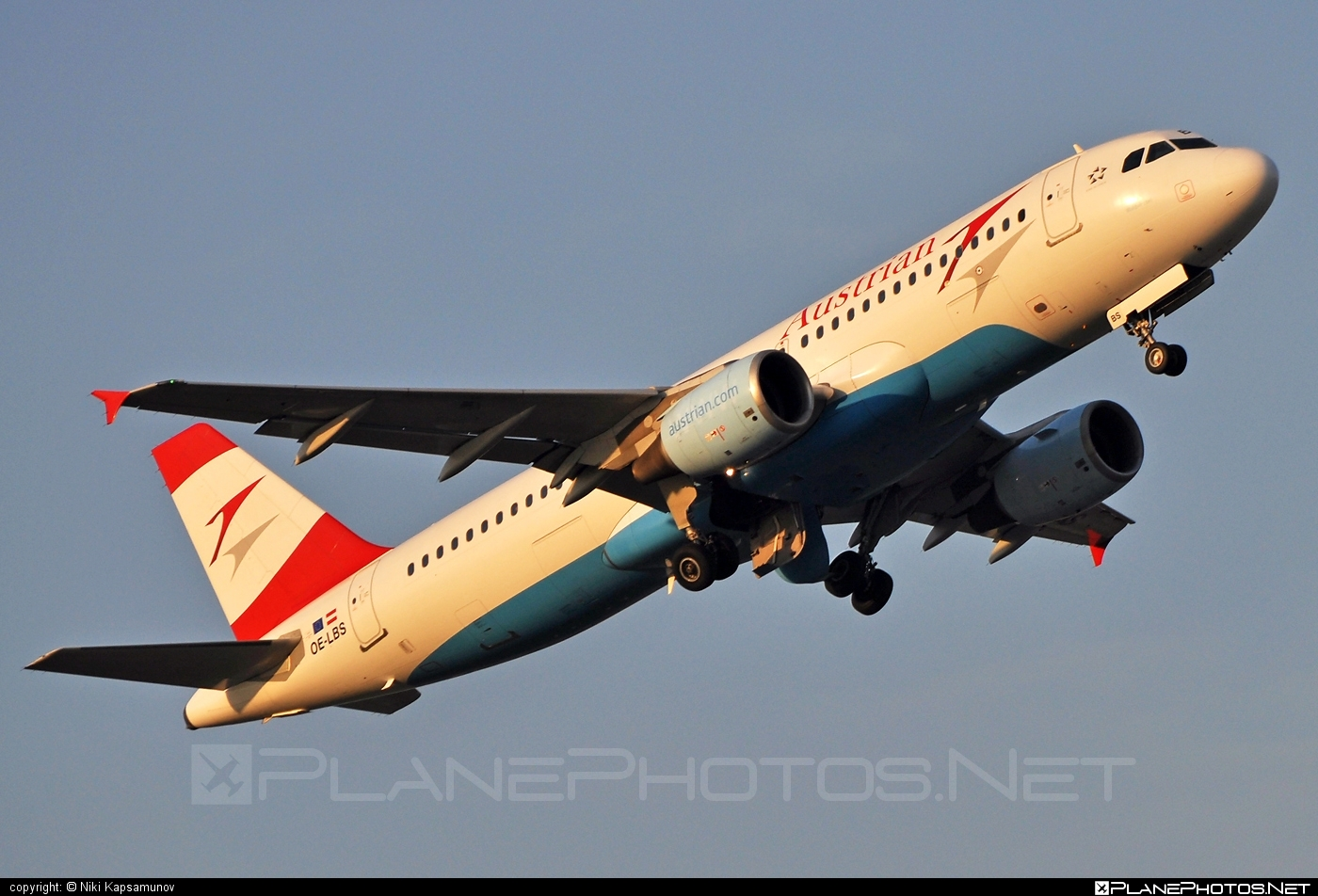 Airbus A320-214 - OE-LBS operated by Austrian Airlines #a320 #a320family #airbus #airbus320