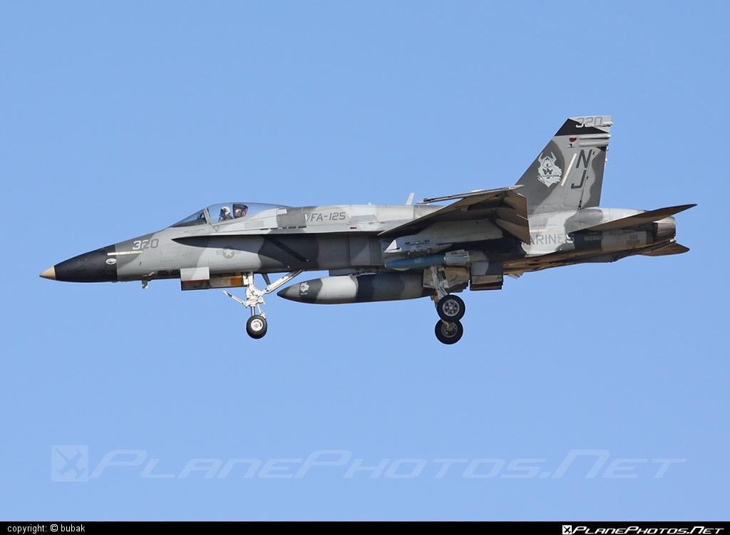 McDonnell Douglas F/A-18A Hornet - 162869 operated by US Marine Corps (USMC) #f18 #f18hornet #fa18 #fa18a #fa18hornet #mcdonnelldouglas