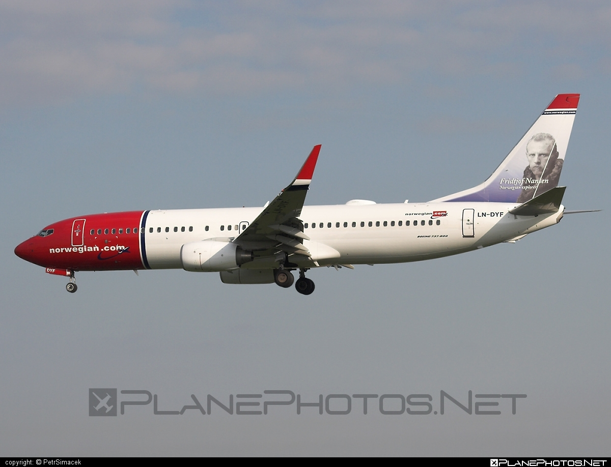 Boeing 737-800 - LN-DYF operated by Norwegian Air Shuttle #b737 #b737nextgen #b737ng #boeing #boeing737 #norwegian #norwegianair #norwegianairshuttle