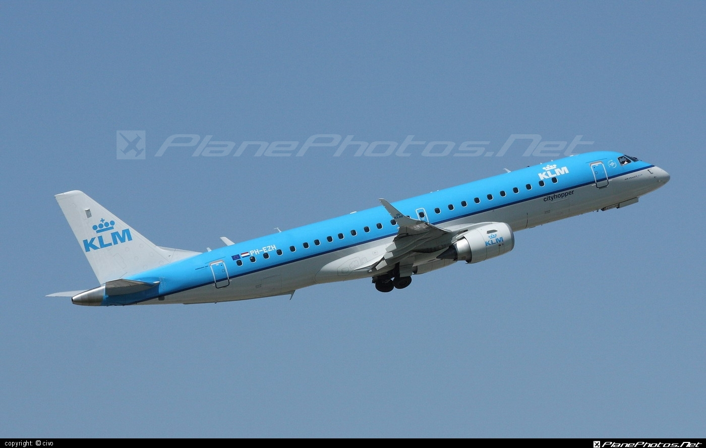 Embraer E190STD (ERJ-190-100STD) - PH-EZH operated by KLM Cityhopper #e190 #e190100 #e190100std #e190std #embraer #embraer190 #embraer190100std #embraer190std #klm #klmcityhopper