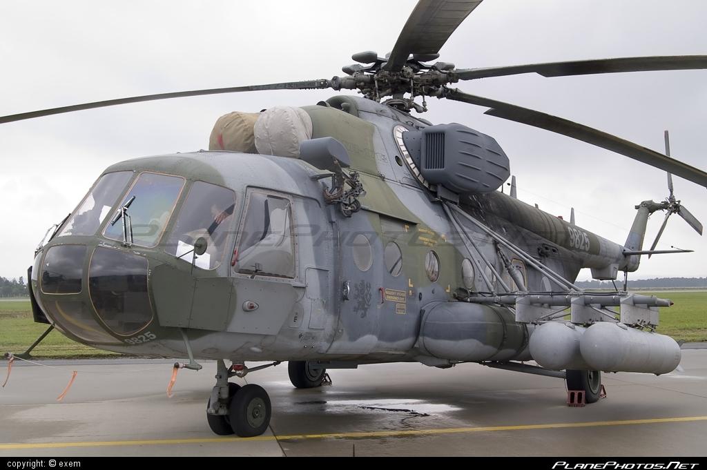Mil Mi-171Sh - 9825 operated by Vzdušné síly AČR (Czech Air Force) #czechairforce #mi171 #mi171sh #mil #mil171 #milhelicopters #natodays #natodays2008 #vzdusnesilyacr