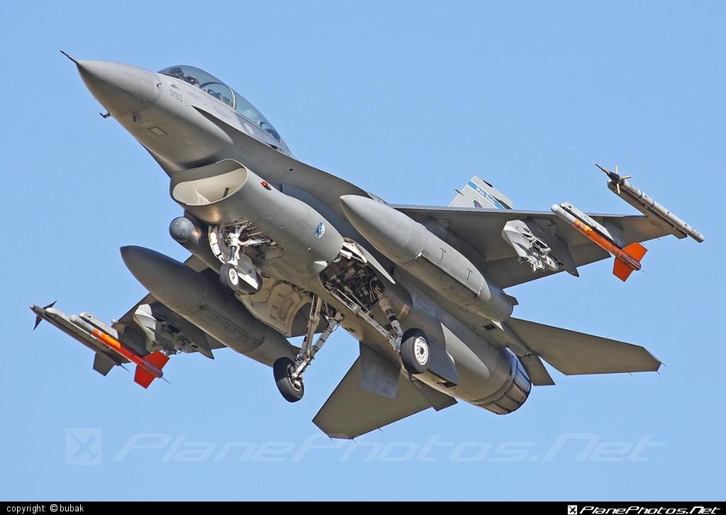General Dynamics F-16DG Night Falcon - 90-0783 operated by US Air Force (USAF) #f16 #f16dg #generaldynamics #nightfalcon #usaf #usairforce