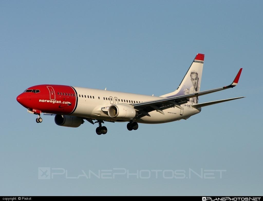 Boeing 737-800 - LN-DYE operated by Norwegian Air Shuttle #b737 #b737nextgen #b737ng #boeing #boeing737 #norwegian #norwegianair #norwegianairshuttle