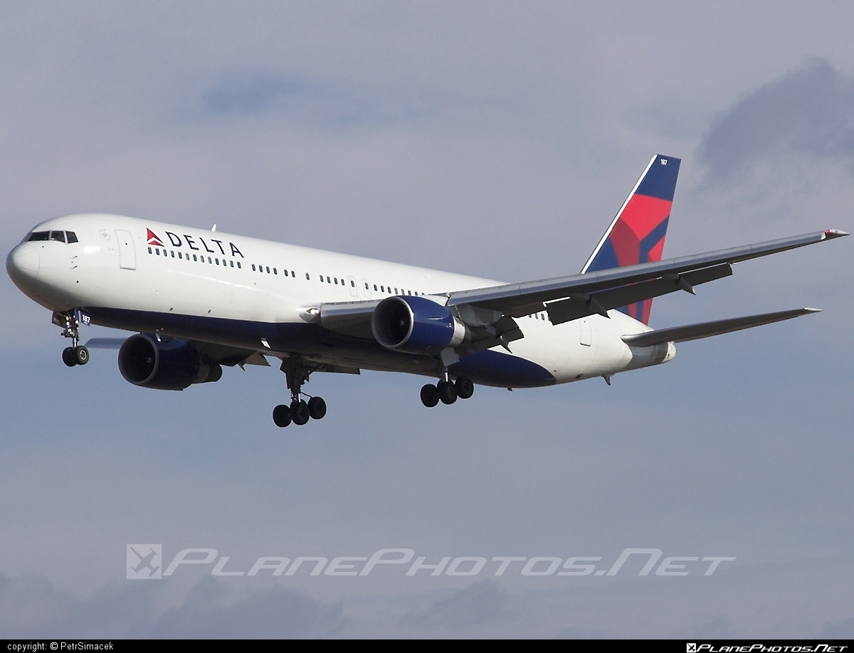 Boeing 767-300ER - N187DN operated by Delta Air Lines #b767 #b767er #boeing #boeing767 #deltaairlines