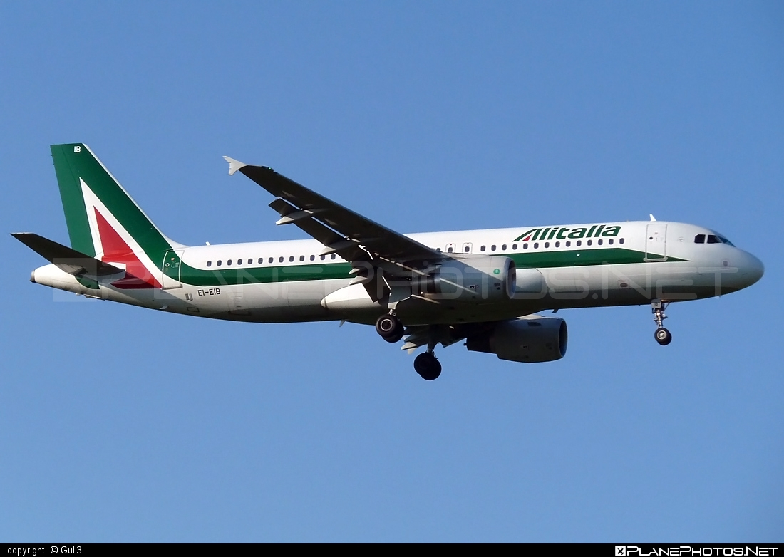 Airbus A320-216 - EI-EIB operated by Alitalia #a320 #a320family #airbus #airbus320 #alitalia