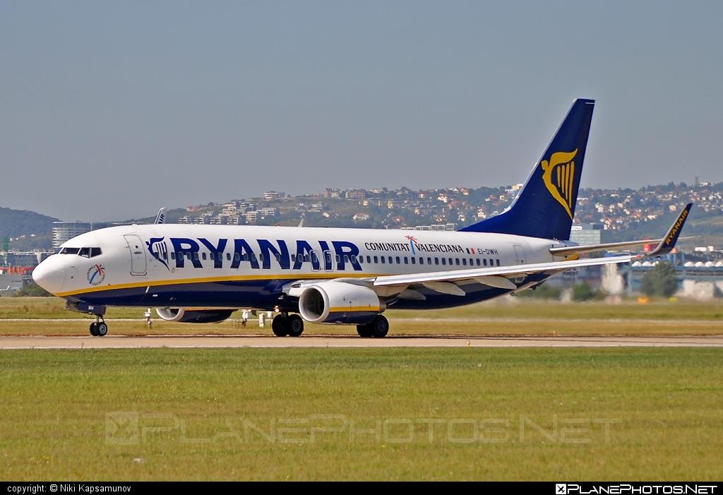 Boeing 737-800 - EI-DWH operated by Ryanair #b737 #b737nextgen #b737ng #boeing #boeing737 #ryanair
