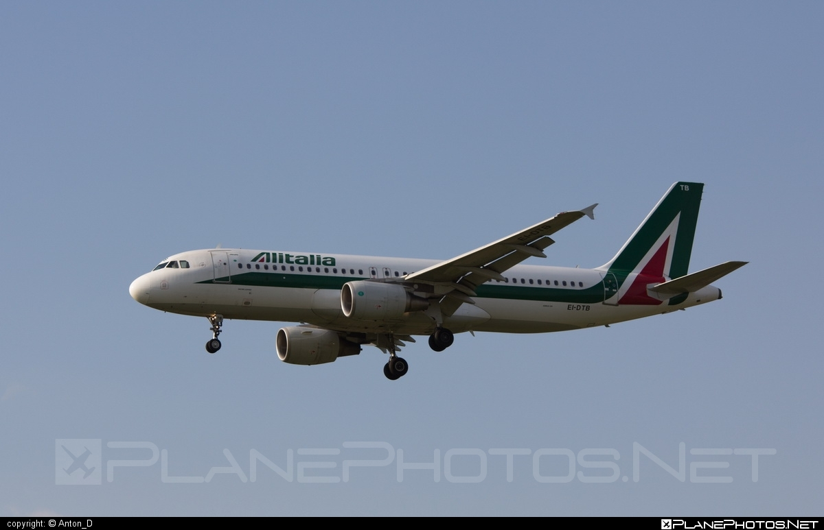 Airbus A320-216 - EI-DTB operated by Alitalia #a320 #a320family #airbus #airbus320 #alitalia