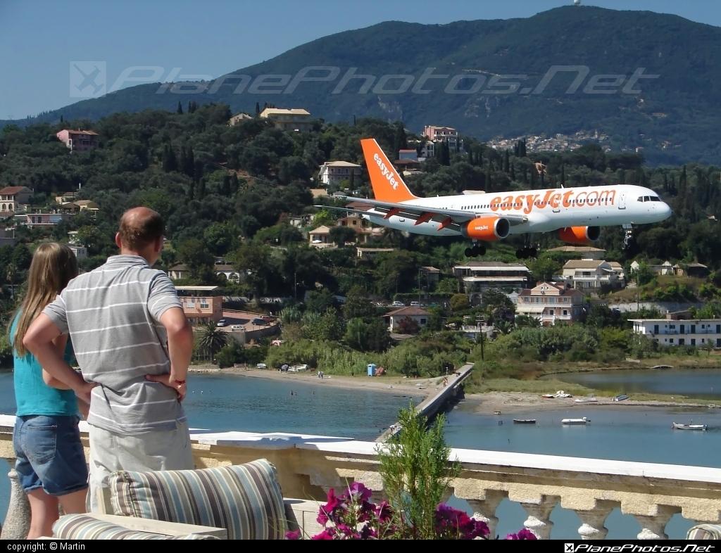 Boeing 757-200 - G-OJIB operated by easyJet #b757 #boeing #boeing757 #easyjet