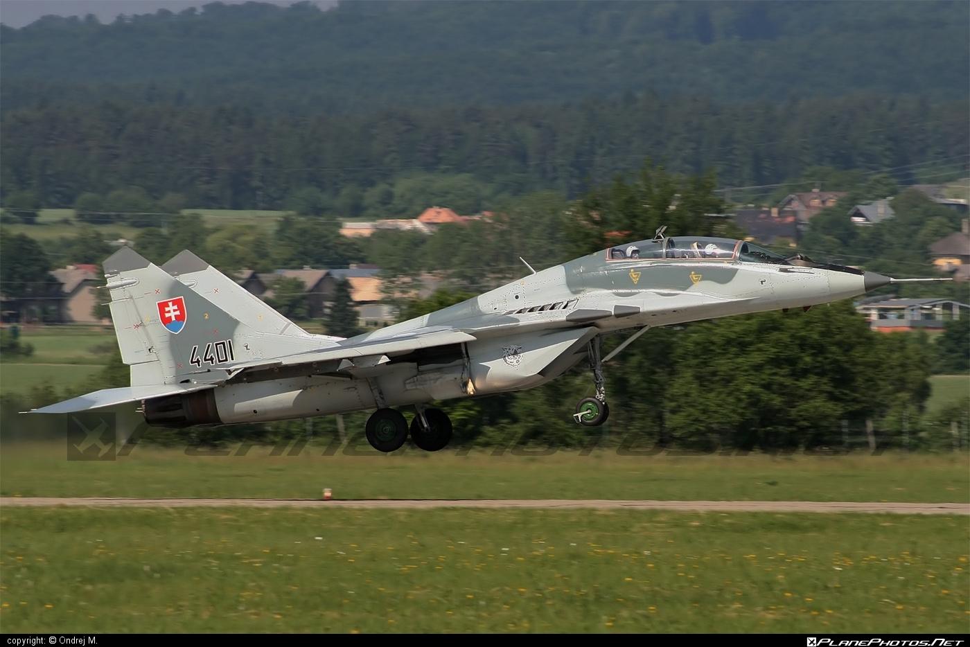 Mikoyan-Gurevich MiG-29UB - 4401 operated by Vzdušné sily OS SR (Slovak Air Force) #mig #mig29 #mig29ub #mikoyangurevich #slovakairforce #vzdusnesilyossr