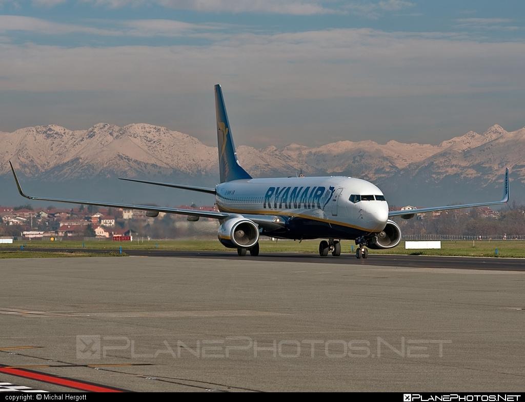 Boeing 737-800 - EI-DWW operated by Ryanair #b737 #b737nextgen #b737ng #boeing #boeing737 #ryanair