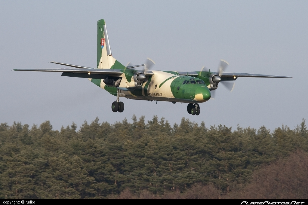 Antonov An-26 - 3208 operated by Vzdušné sily OS SR (Slovak Air Force) #an26 #antonov #antonov26 #slovakairforce #vzdusnesilyossr