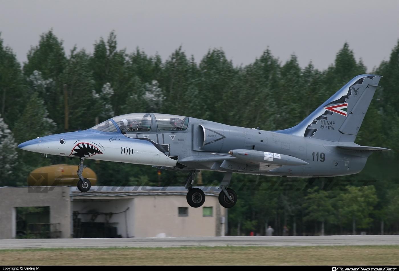 Aero L-39ZO Albatros - 119 operated by Magyar Légierő (Hungarian Air Force) #aero #aerol39 #aerol39albatros #aerol39zoalbatros #albatros #hungarianairforce #l39 #l39zo #l39zoalbatros #magyarlegiero
