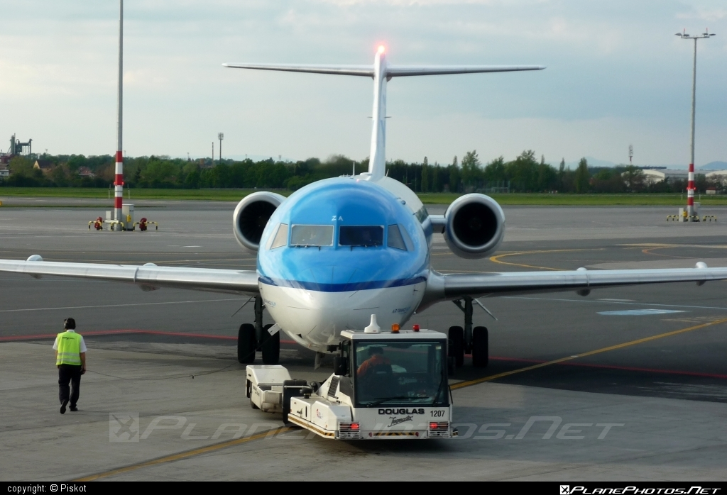 Fokker 70 - PH-KZA operated by KLM Cityhopper #fokker #fokker70 #klm #klmcityhopper
