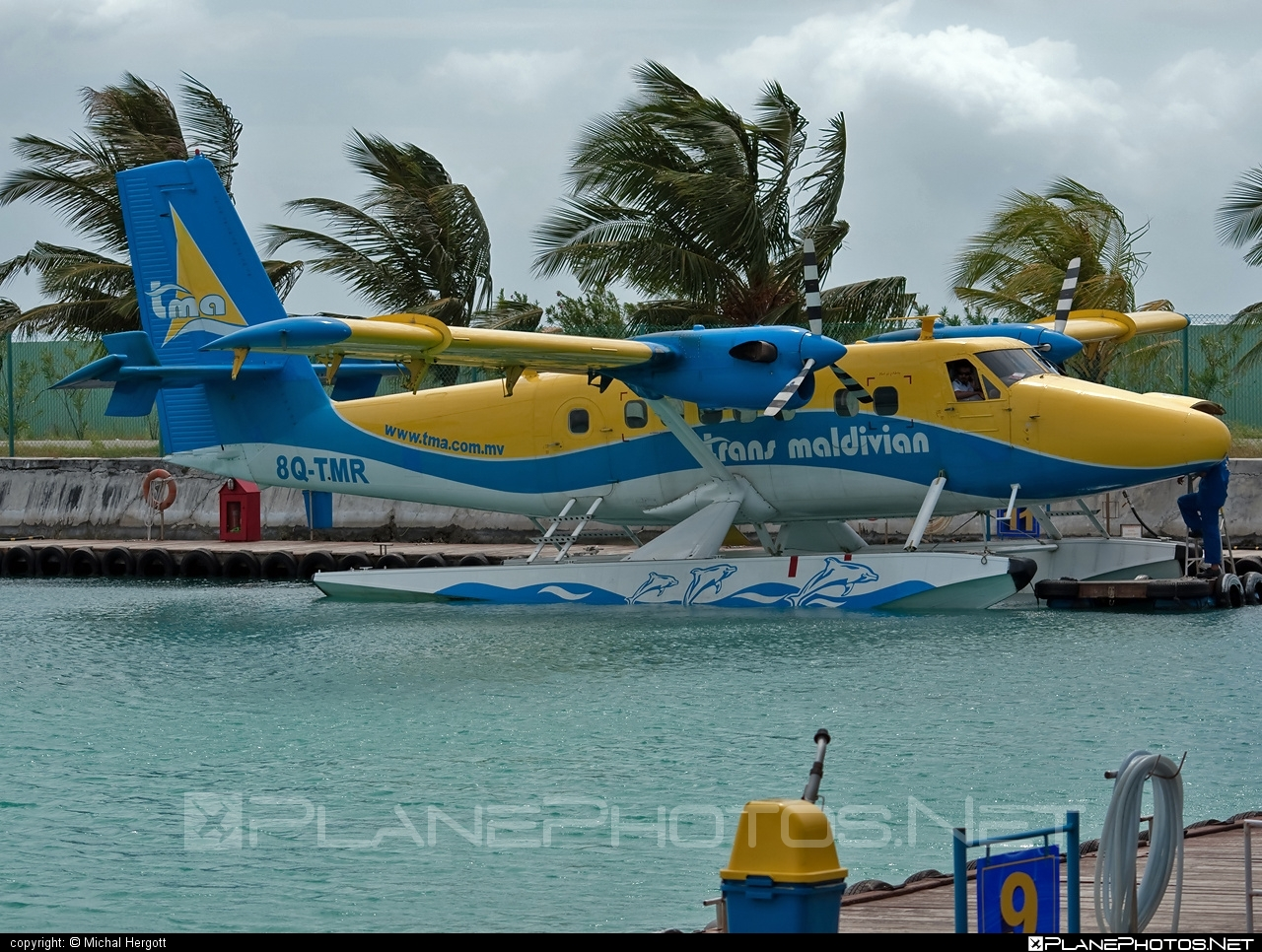 De Havilland Canada DHC-6-300 Twin Otter - 8Q-TMR operated by Trans Maldivian Airways #dehavillandcanada