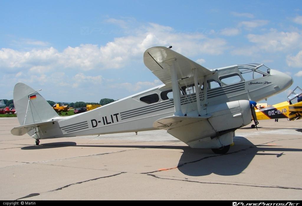 De Havilland DH.89A Dragon Rapide - D-ILIT operated by Private operator #dehavilland