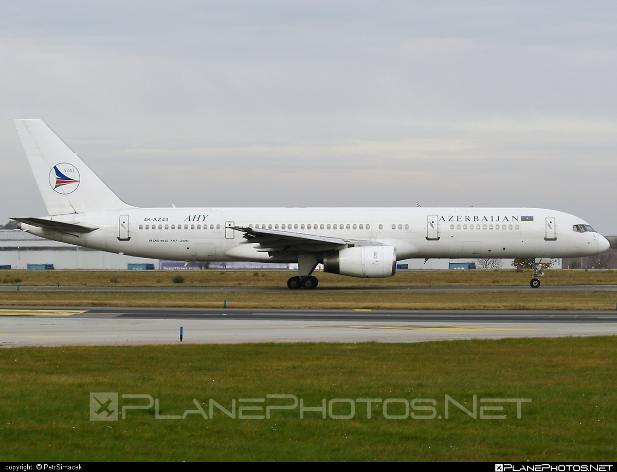 Boeing 757-200 - 4K-AZ43 operated by AZAL Azerbaijan Airlines #b757 #boeing #boeing757