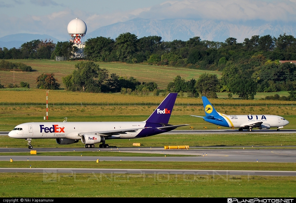Boeing 757-200 - N915FD operated by FedEx Express #b757 #boeing #boeing757 #fedex #fedexairlines #fedexexpress