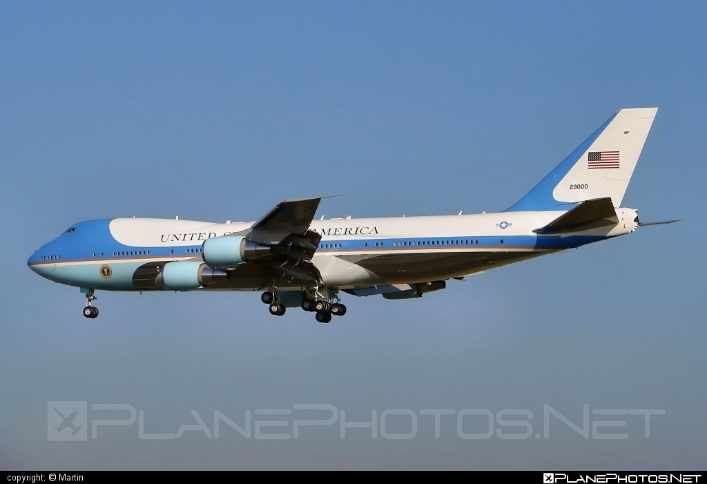Boeing VC-25A - 92-9000 operated by US Air Force (USAF) #boeing #usaf #usairforce