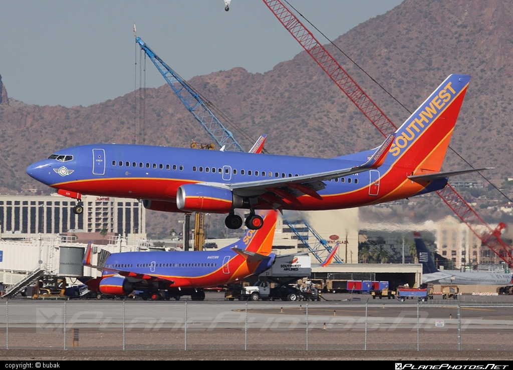 Boeing 737-700 - N222WN operated by Southwest Airlines #b737 #b737nextgen #b737ng #boeing #boeing737 #southwestairlines